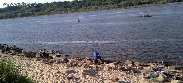 Rzeka Wis³a pod napiêciem lub na kamieniach
