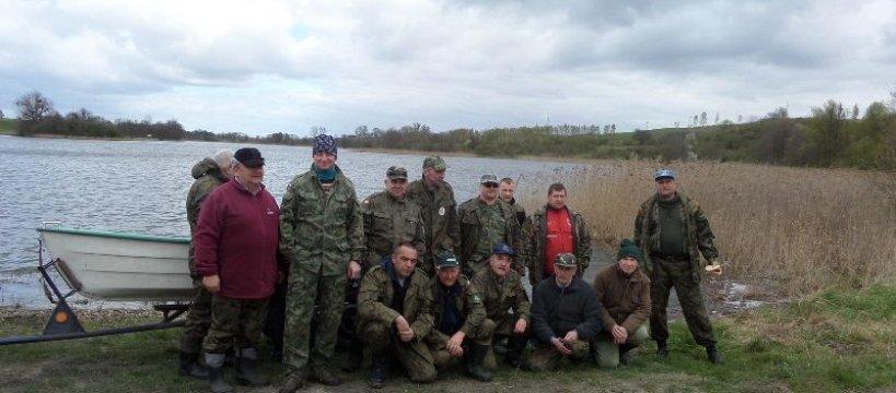 Sprz±tanie jeziora Szczuka 2017-04-22