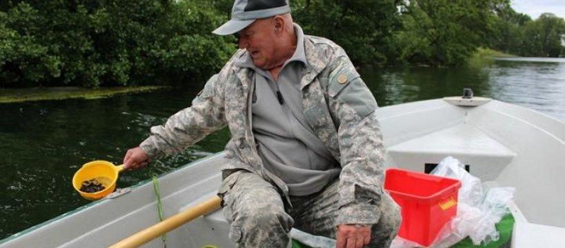 Zarybianie miêtusem na Jeziorze Rychnowskim